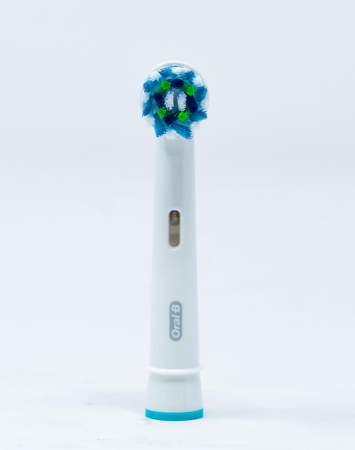 OralB Testina di Ricambio Crossaction – 1 pz.