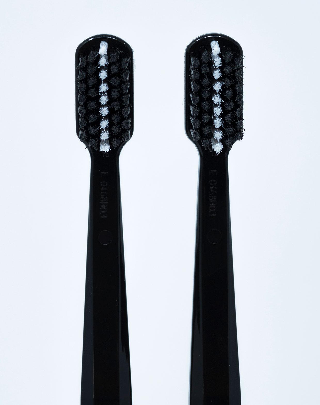 Curaprox Spazzolino Black is White - 2 pz