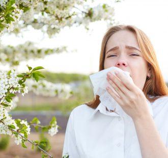 Soffri di allergie stagionali? Ecco perché devi proteggere la tua bocca