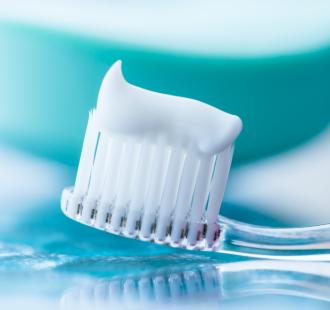 Il Sodio Laurilsolfato (SLS) nel dentifricio: sicuro o dannoso?