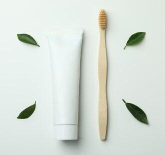 Il tubetto del dentifricio: esiste un'alternativa alla plastica?