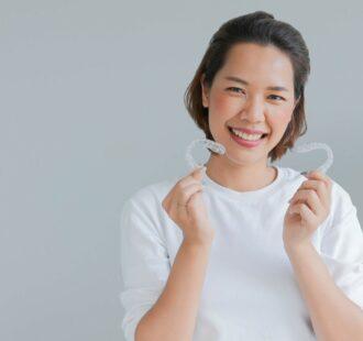 Come pulire il bite e le mascherine trasparenti in modo efficace